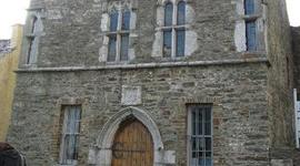 Desmond Castle & the International Museum of Wine